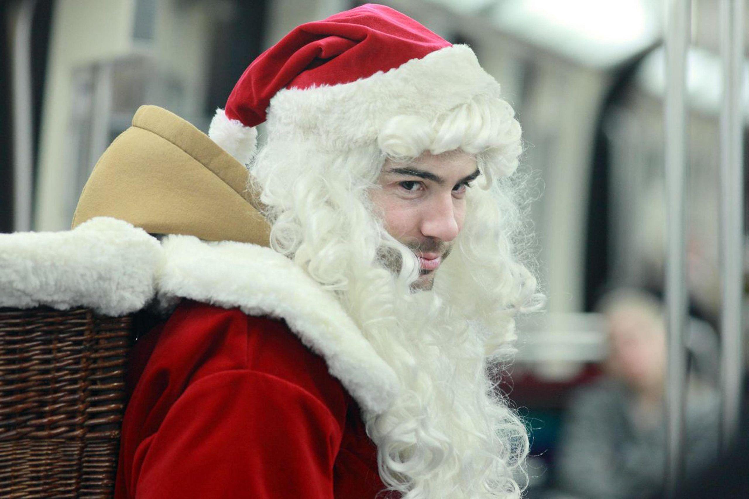 Cinema: 'Un amico molto speciale', è un Babbo Natale ladro