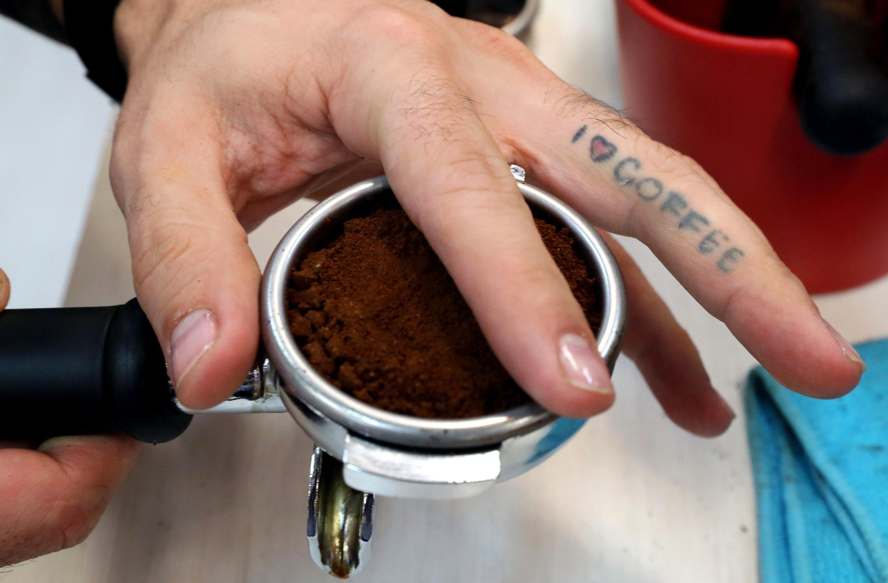 Truffa Nespresso: nessuna caffettiera in regalo