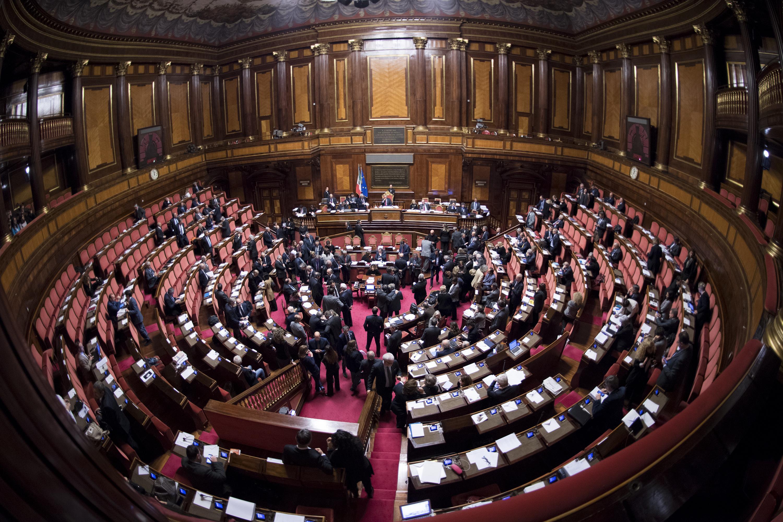 Cambi di casacca: oltre 500 politici trasformisti in questa legislatura. Il Senato prova ad arginare il fenomeno