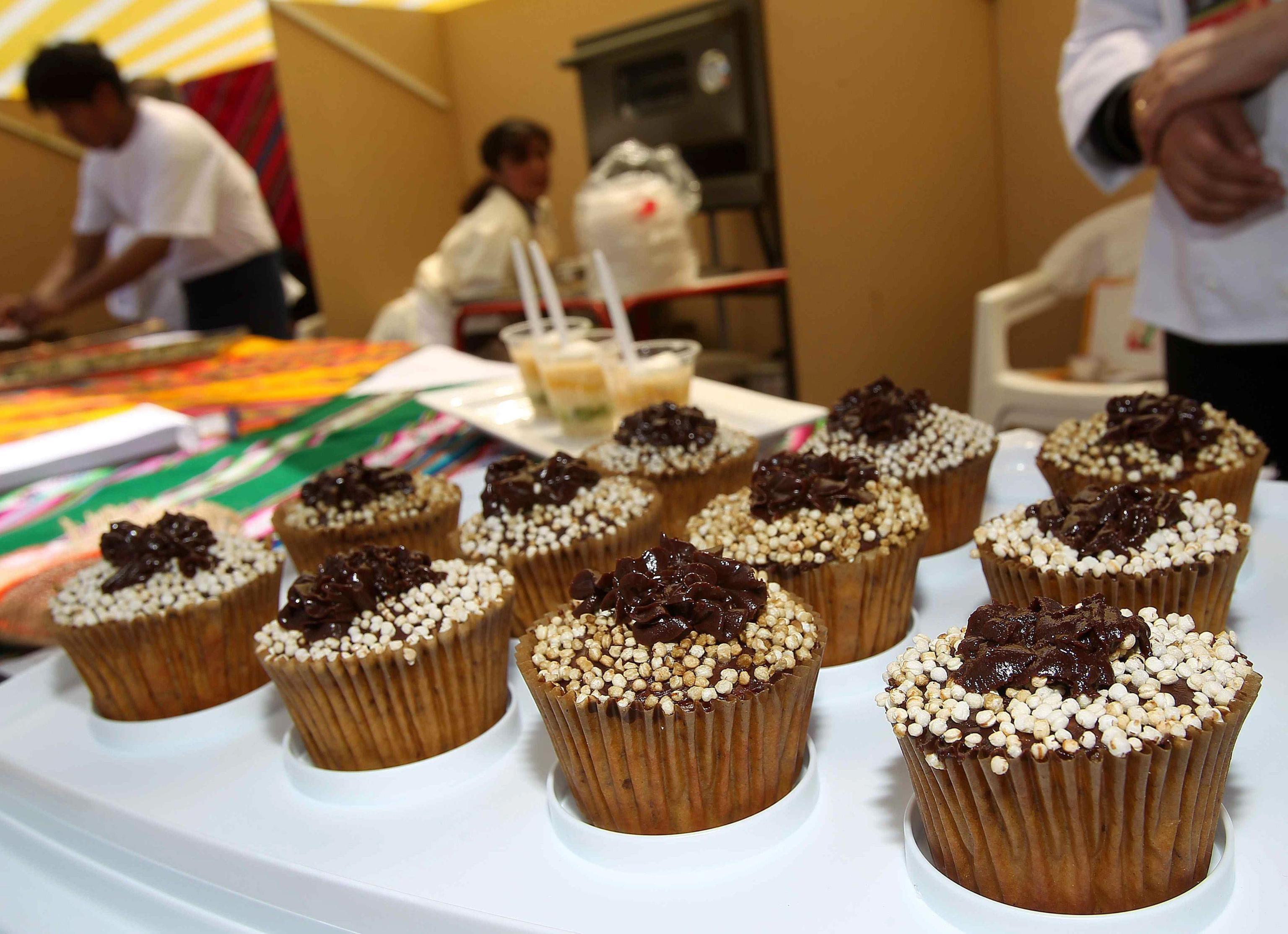 Vende cupcakes su Facebook per pagare le cure alla madre malata di cancro