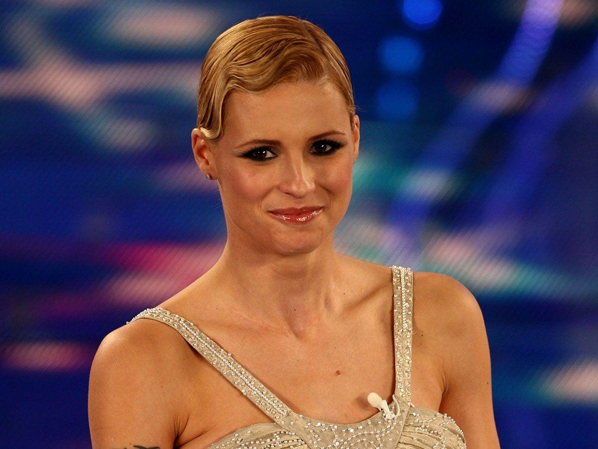 Michelle Hunziker a Sanremo 2018: 'Si va verso la firma'