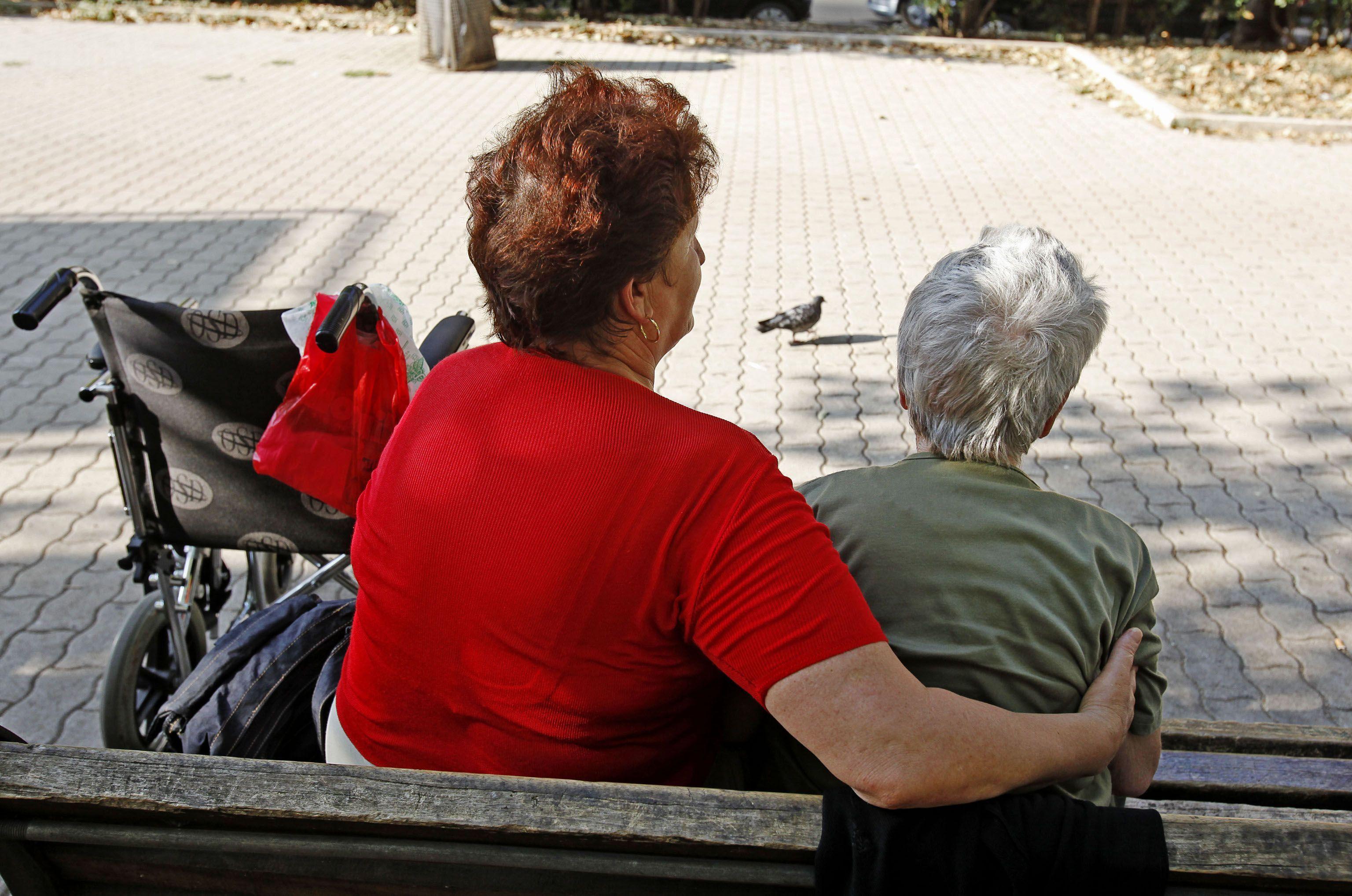 Pensioni e lavori gravosi: il governo propone di far salire a 15 le categorie esentate dall'aumento dell'età