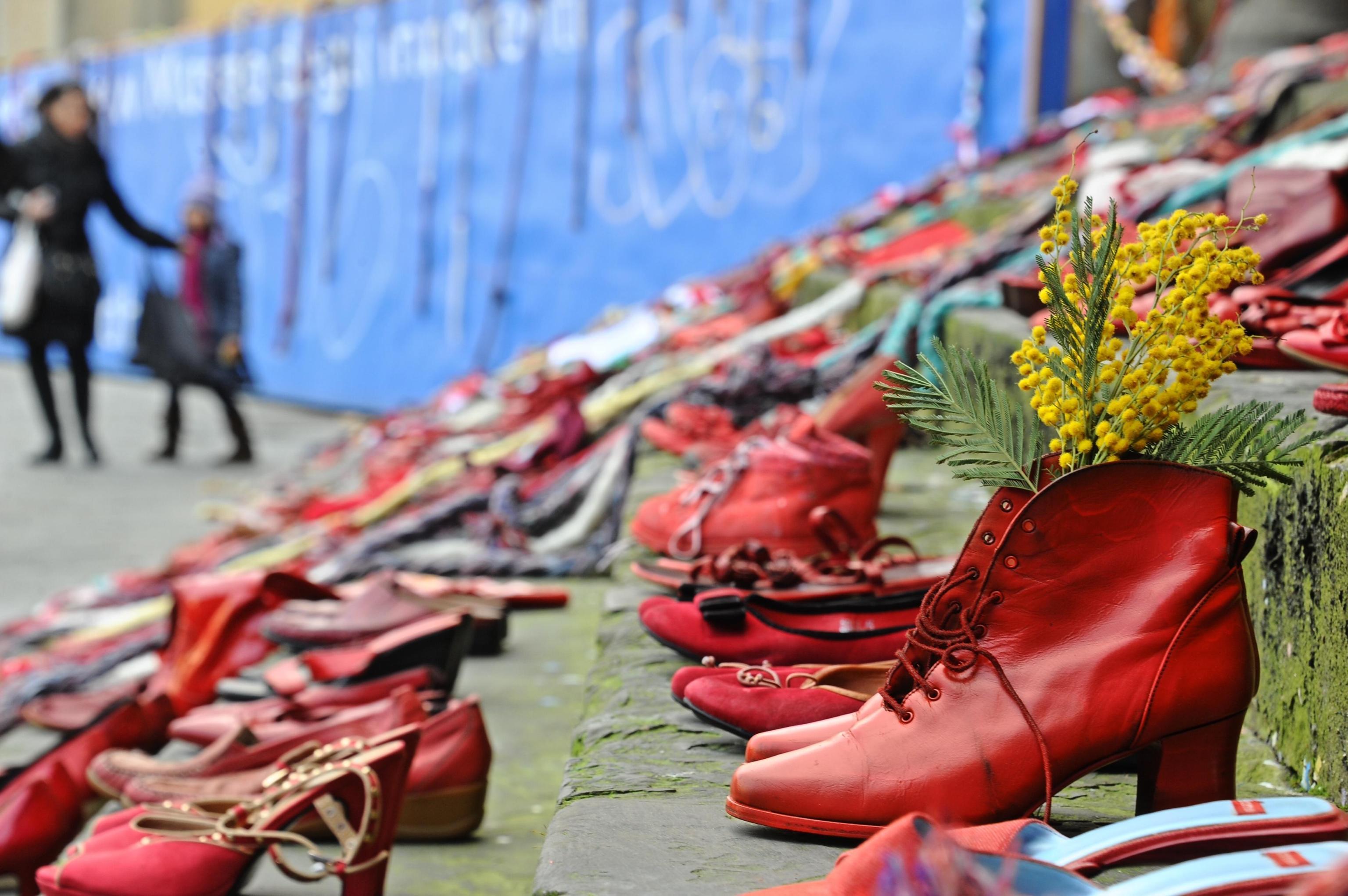Giornata internazionale contro la violenza sulle donne, le iniziative in Italia