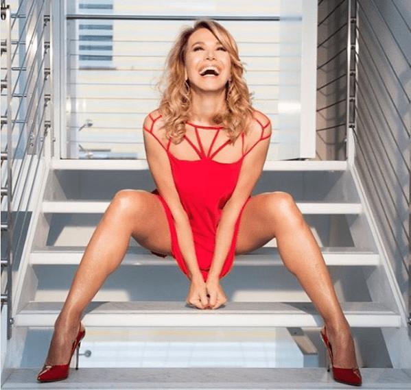 Barbara D'Urso gioisce per il successo di Domenica Live