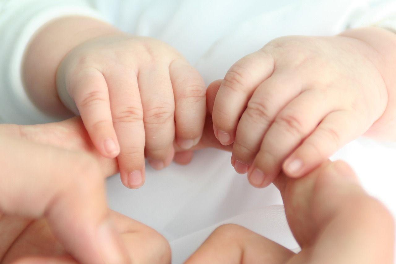 Bimba nata da embrione congelato, record negli USA: è il più vecchio mai usato