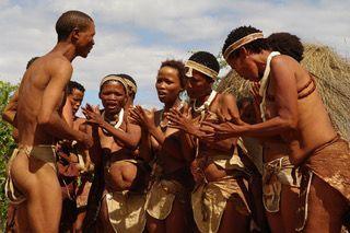 Sulle colline sacre di Tsodilo in Botswana, alla scoperta dei Boscimani del deserto del Kalahari