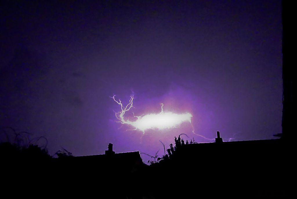 fenomeni atmosferici rari fulmine globulare