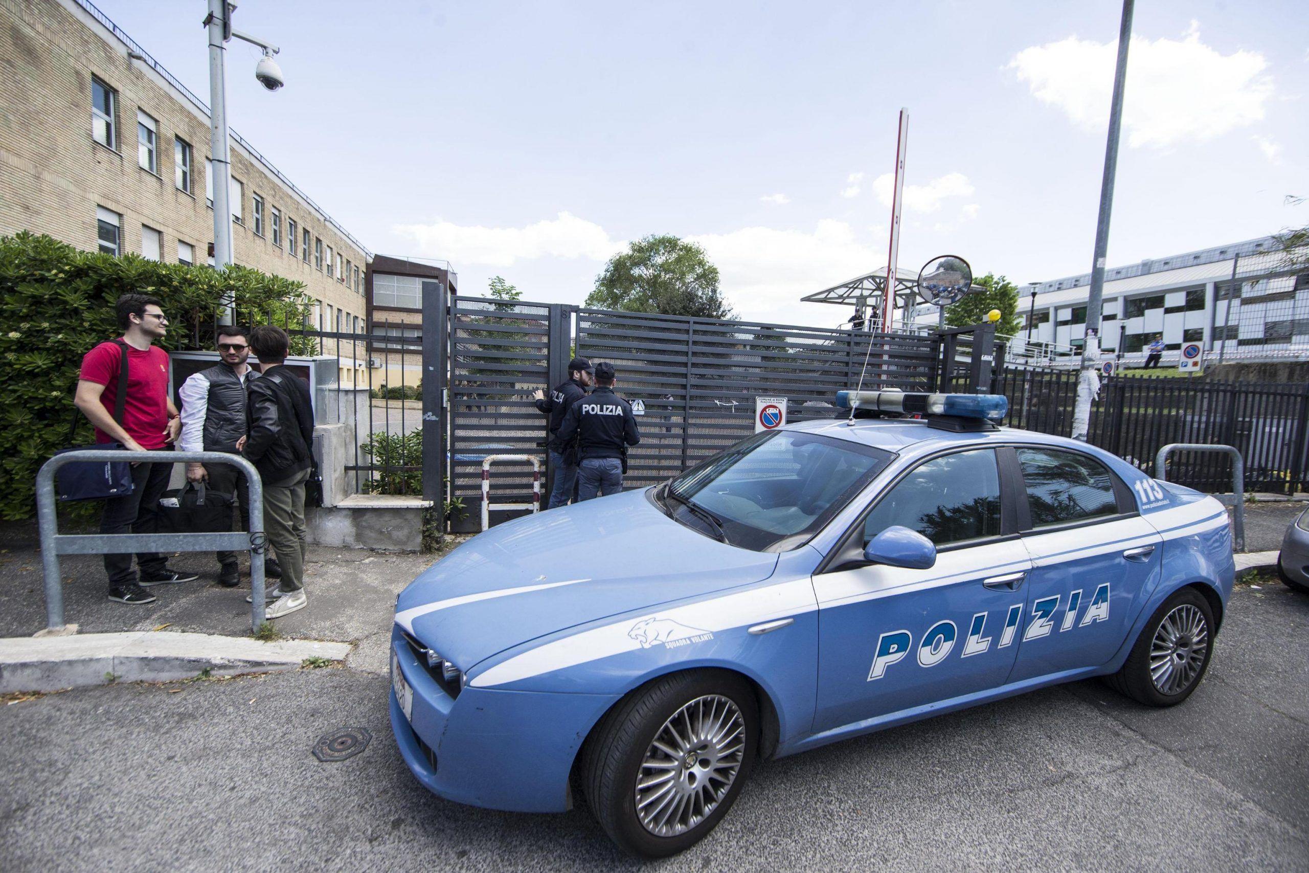 Giovane si uccide con colpo pistola in università Roma