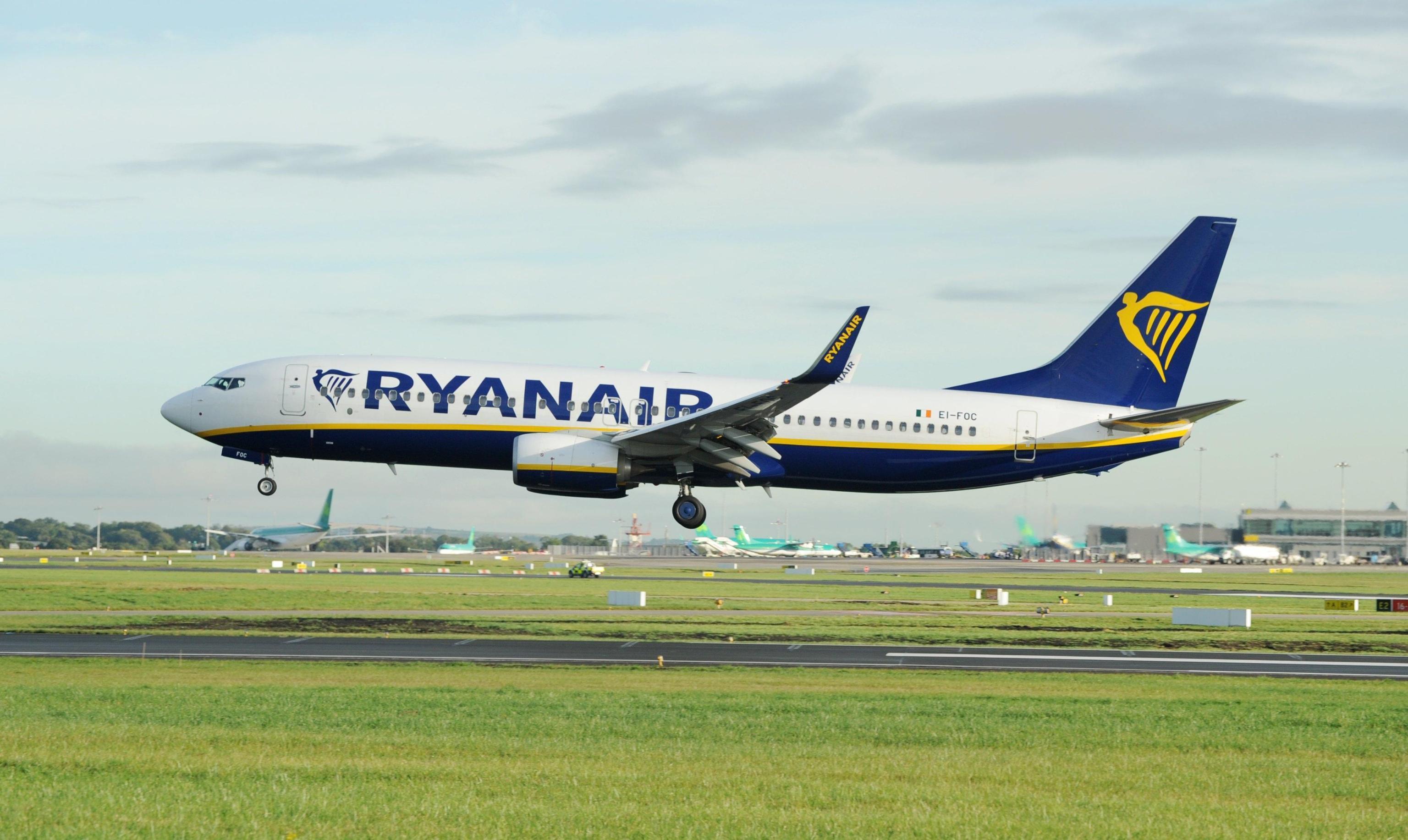 Ryanair multata dall'Antitrust: non informa i passeggeri dei loro diritti per i voli cancellati