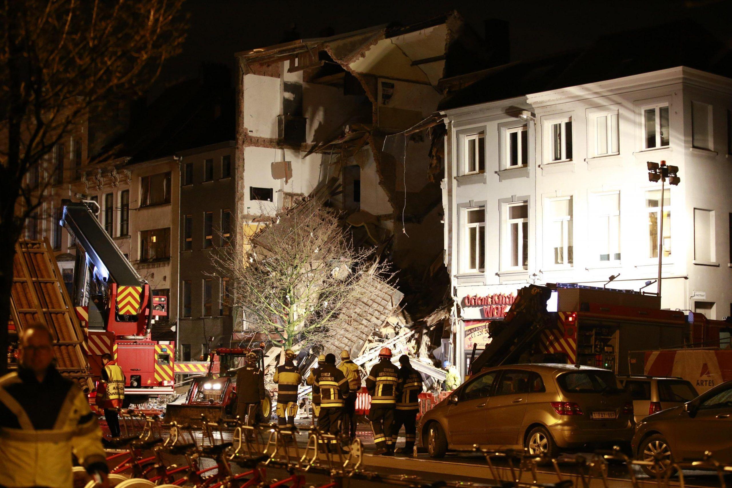 Anversa, esplode palazzo su pizzeria italiana: due morti, non è terrorismo