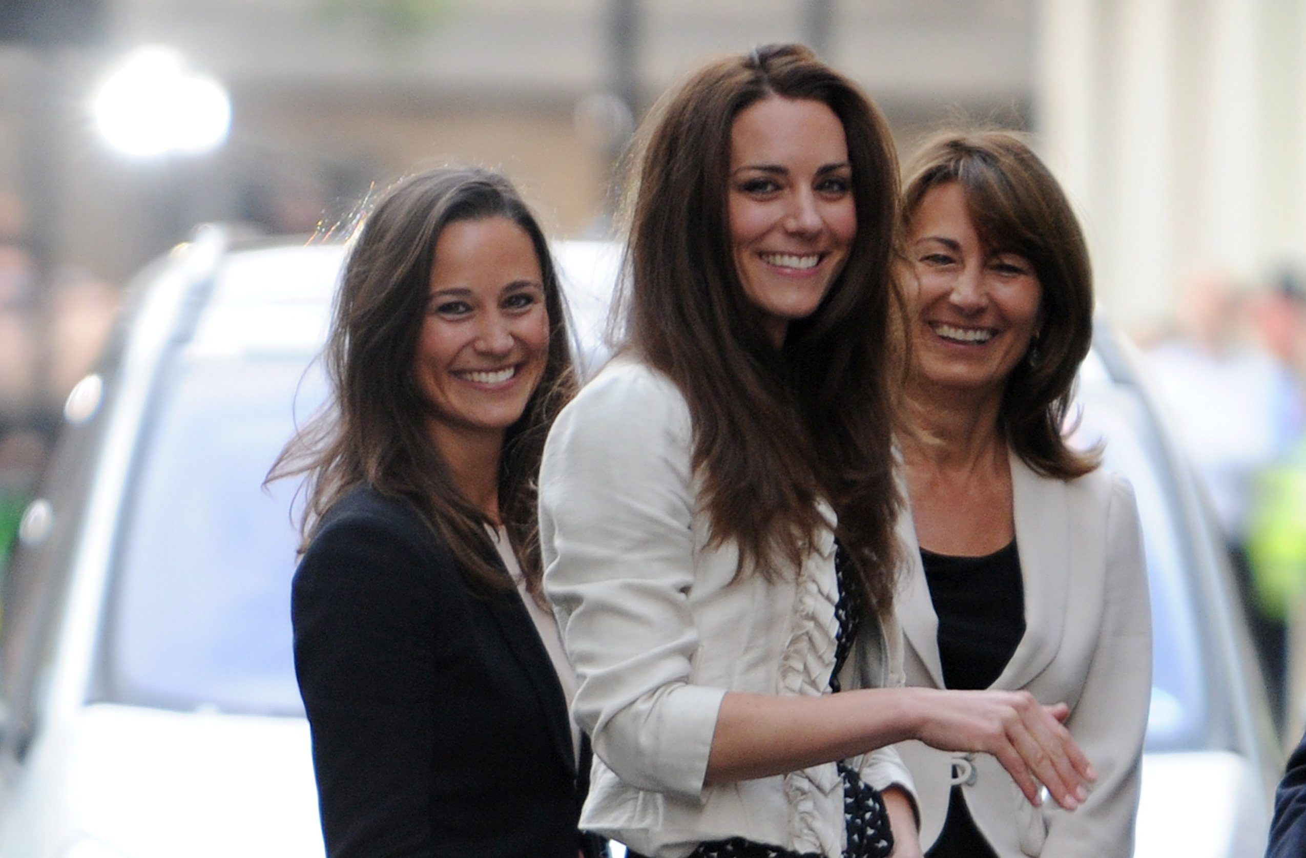 Kate Middleton con mamma e sorella