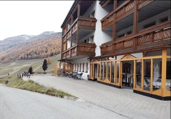 Alto Adige, 100 persone evacuate da hotel per rischio valanga