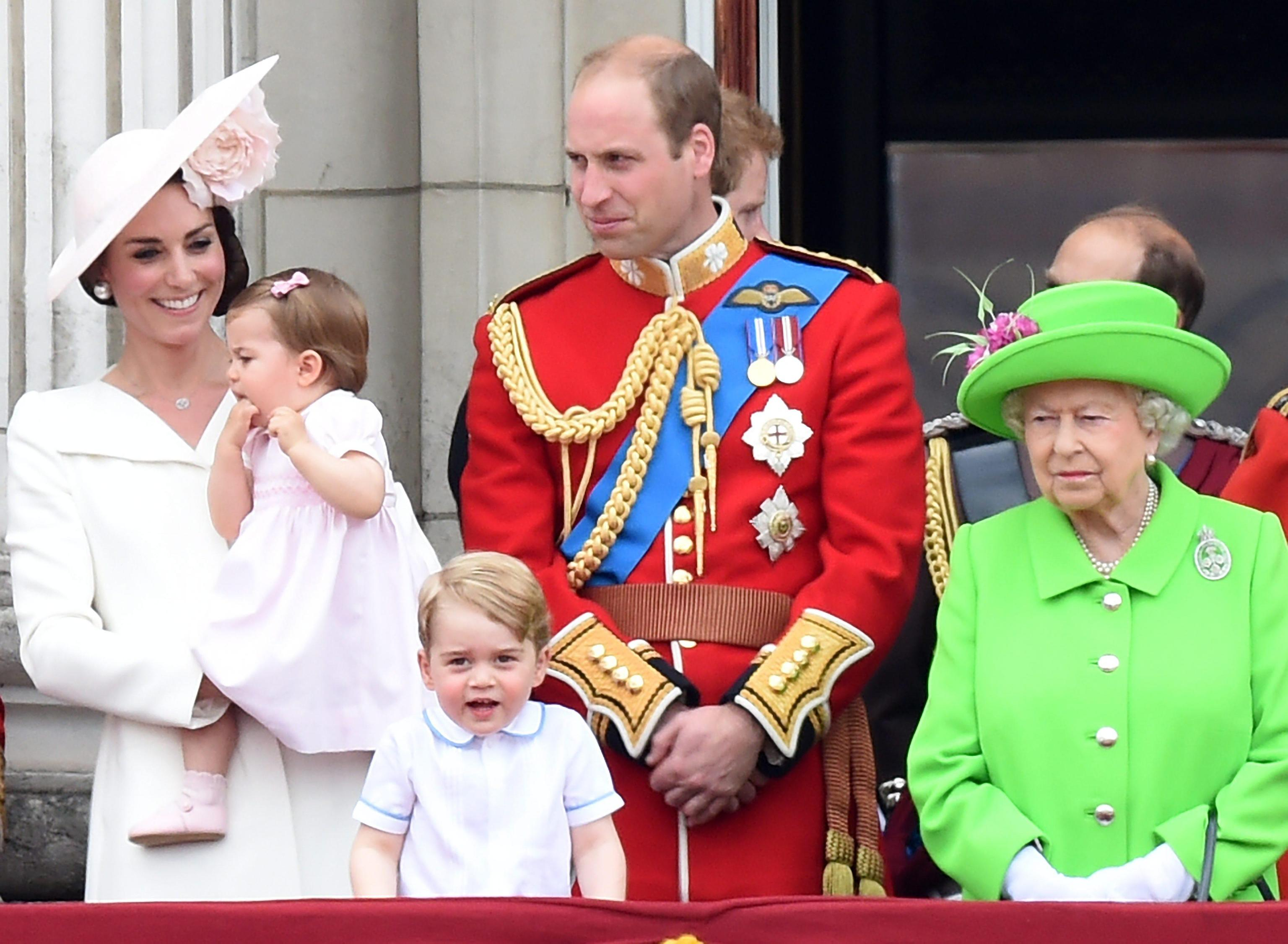 Kate Middleton e la Regina Elisabetta ai ferri corti per gli impegni della duchessa