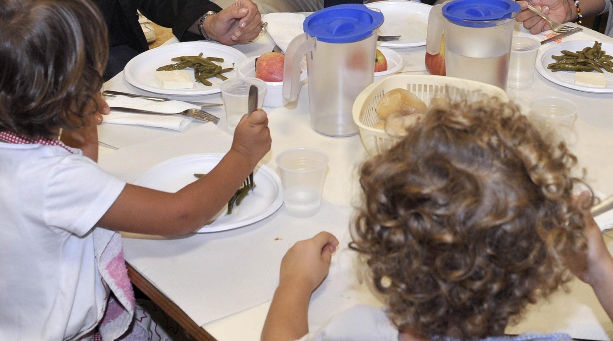 Escrementi di topo nel panino, allarme in una scuola elementare di Lodi