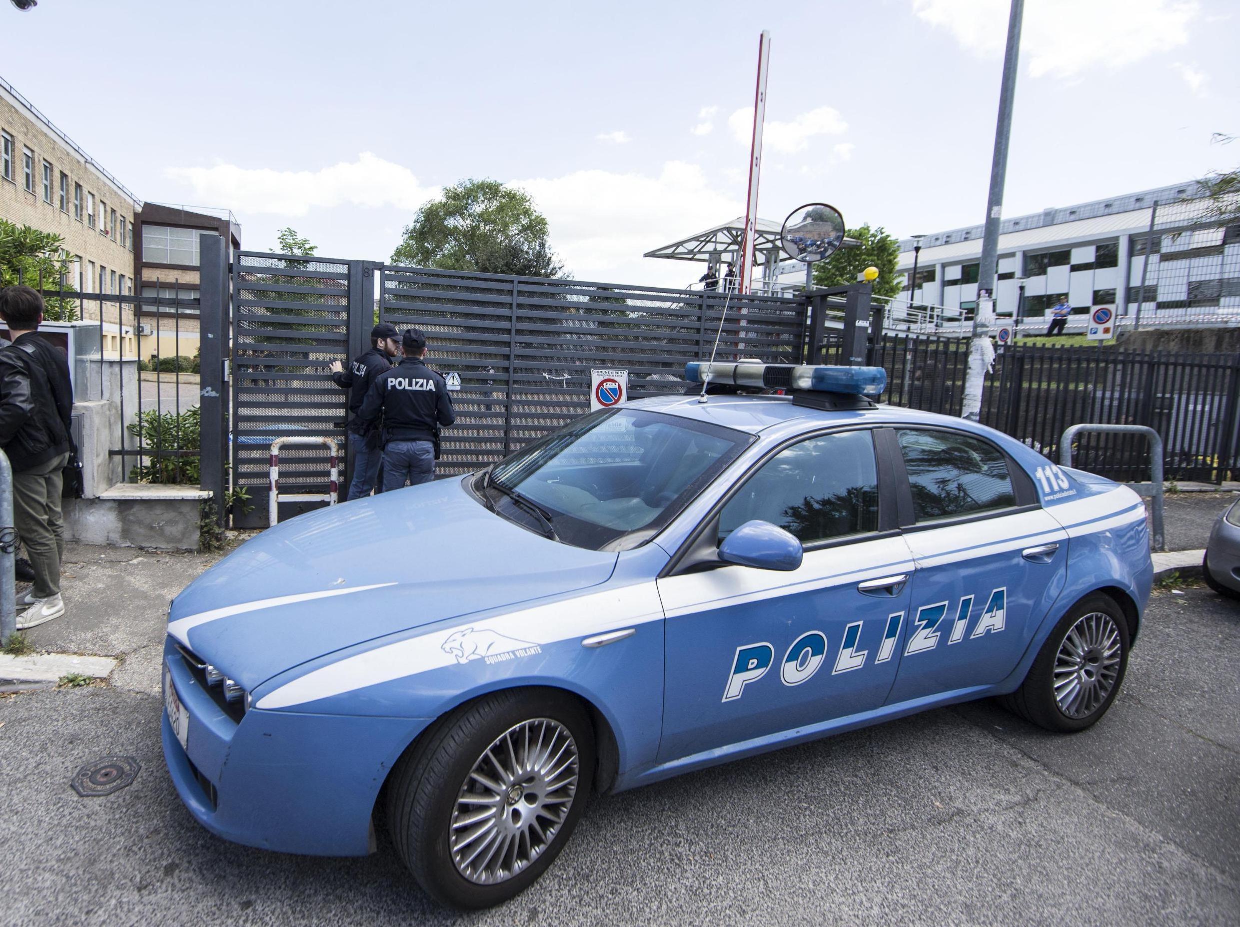 Si innamora di un richiedente asilo ma poi esplode la violenza: arrestato migrante 25enne