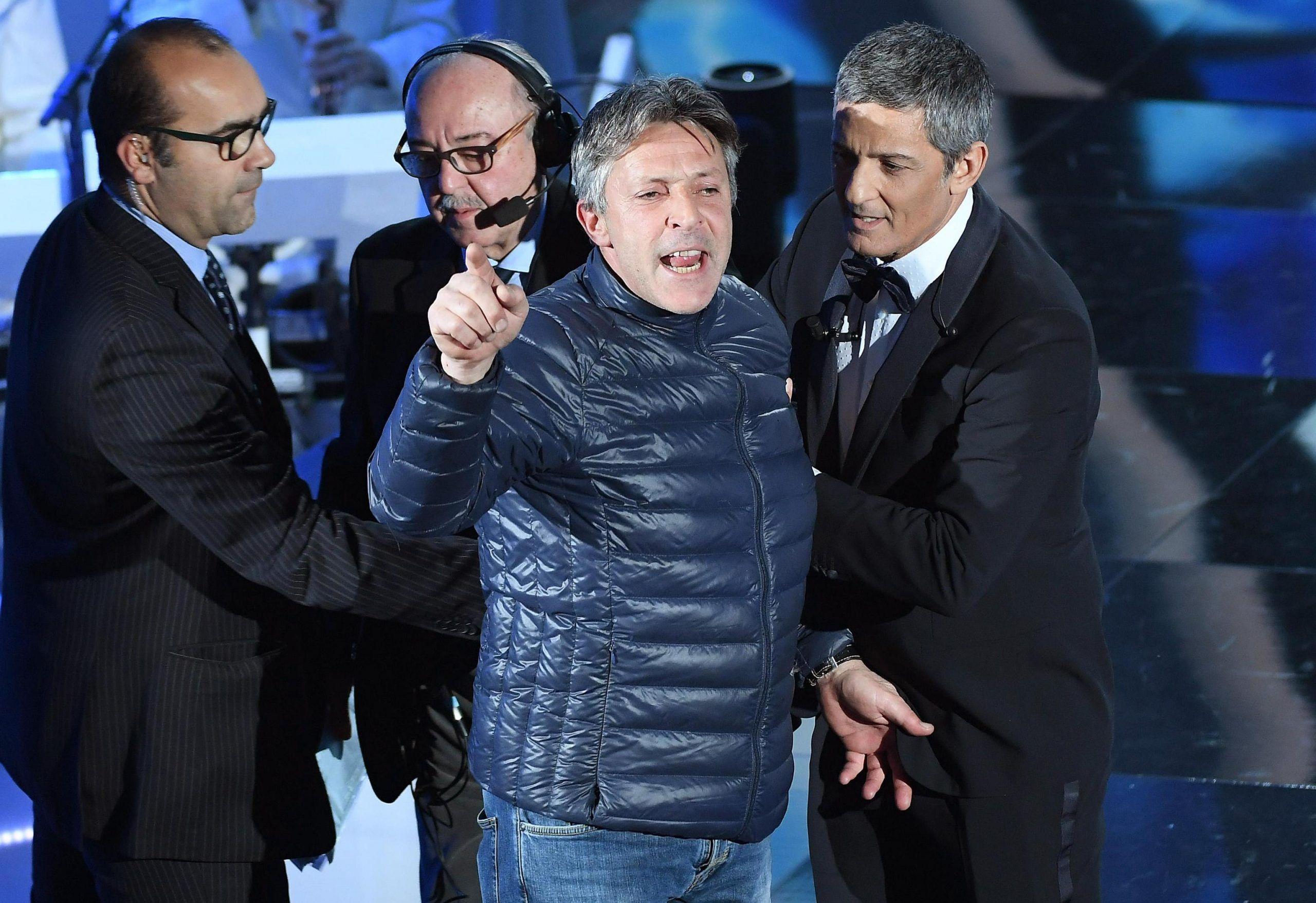 Sanremo 2018, Fiorello e l'invasore Giovanni Civita