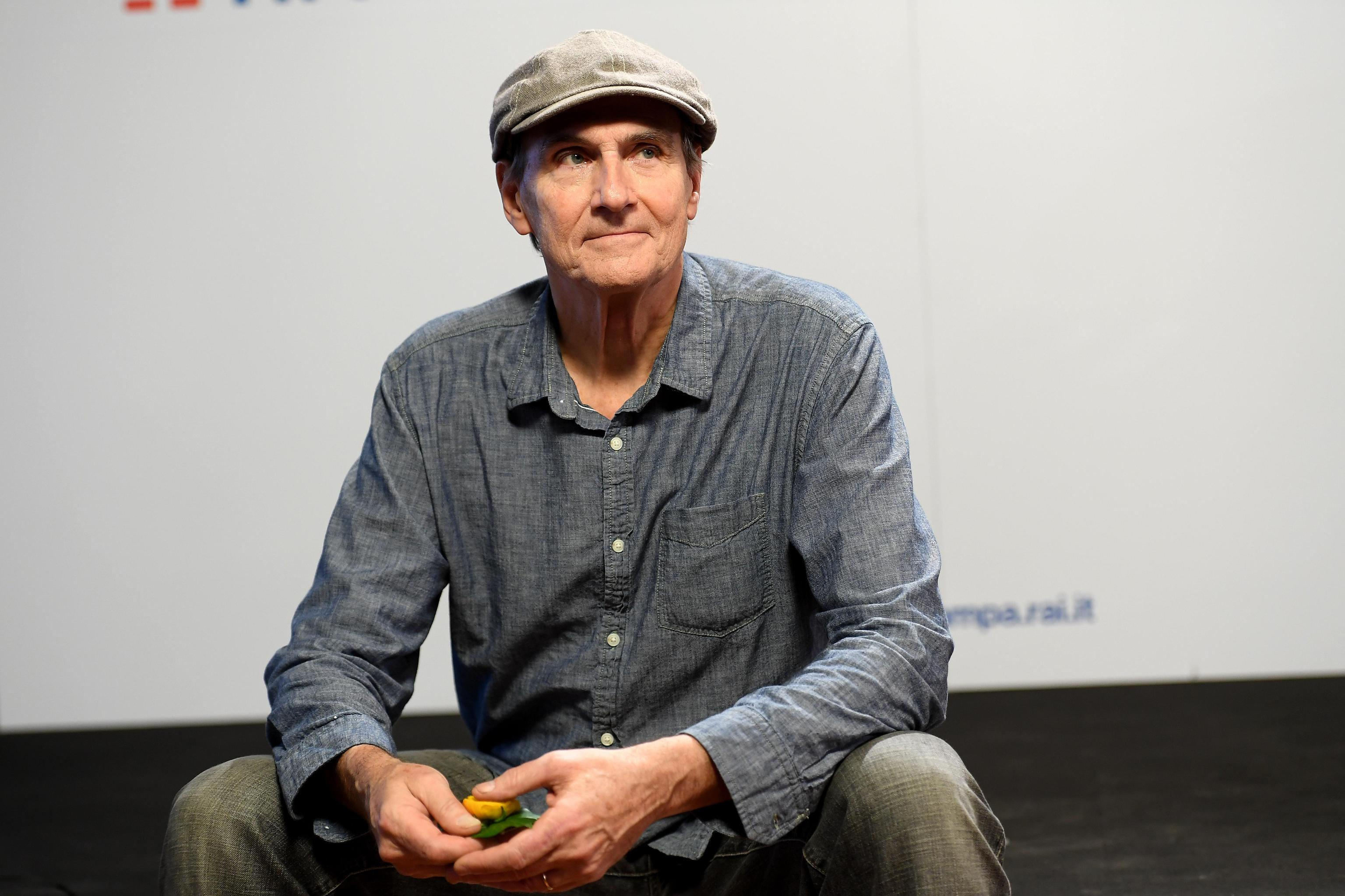Sanremo 2018, la gaffe di James Taylor: 'Claudio Baglioni chi? Non lo conosco'