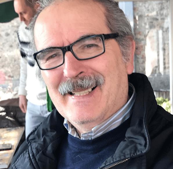 Lamberto Sposini compie 66 anni e festeggia il compleanno con la torta della Juventus