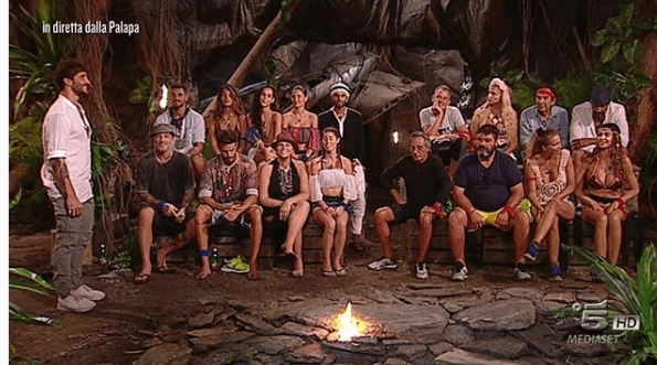 Isola 13, un naufrago ha abbandonato il reality show: di chi si tratta?