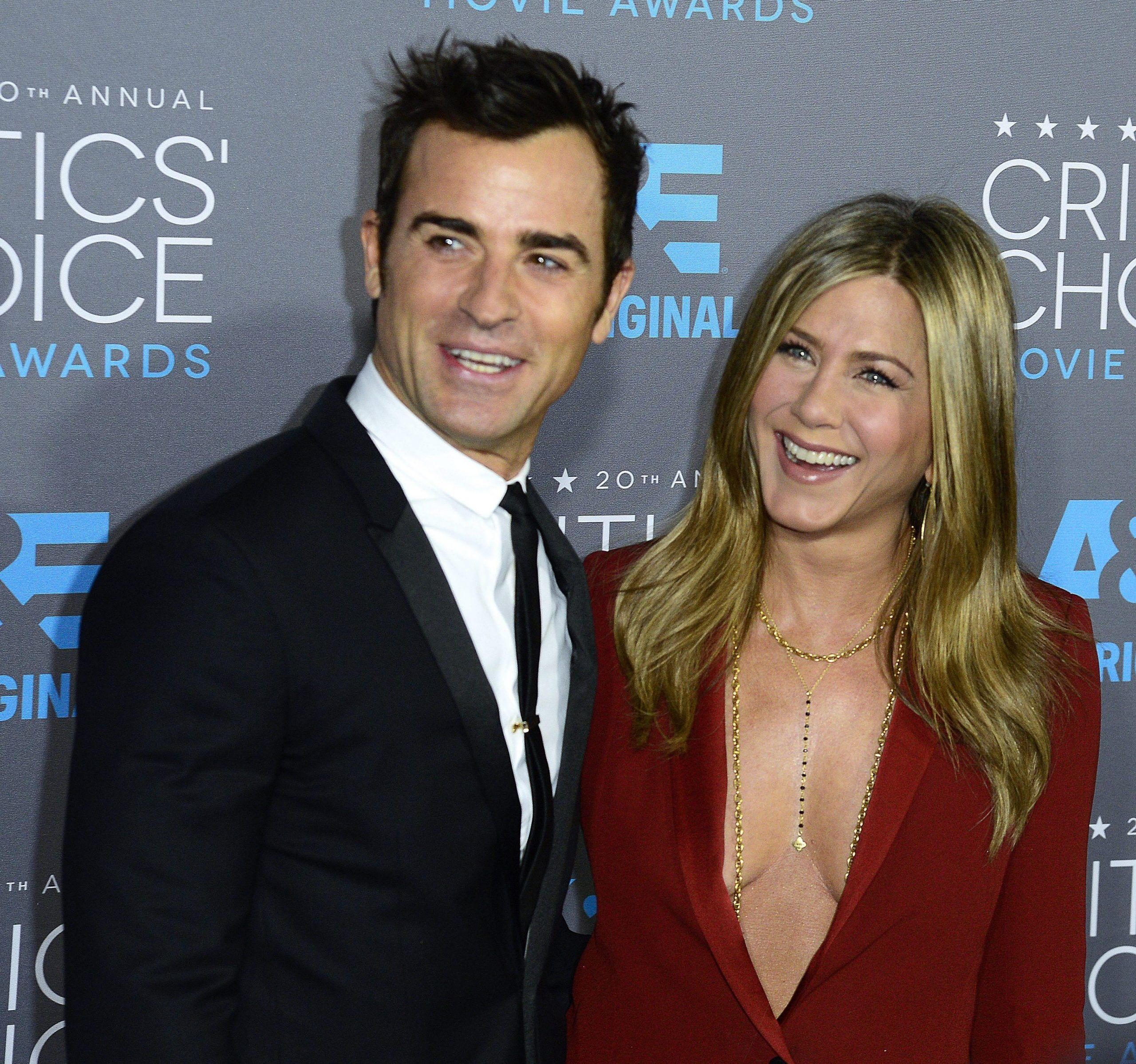 Jennifer Aniston marries Justin Theroux in private Bel Air ceremony