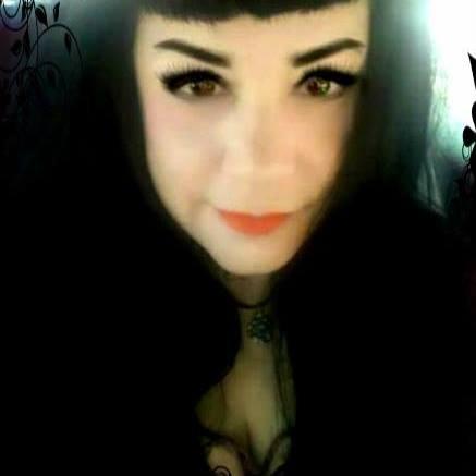 Vampira vera, mamma di due figli, si nutre di sangue umano