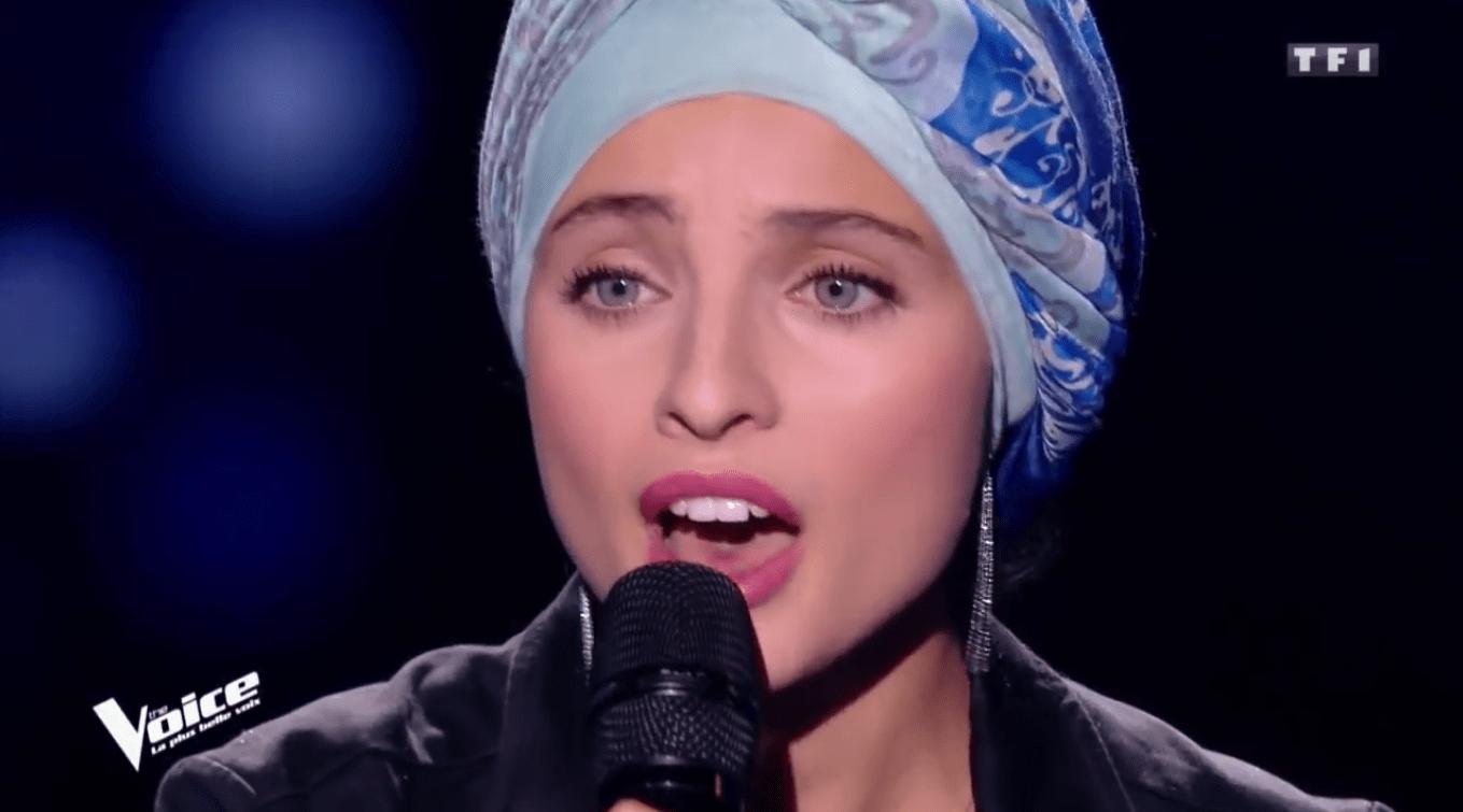 The Voice France, Mennel Ibtissem canta 'Hallelujah' ma è polemica per alcuni commenti complottisti