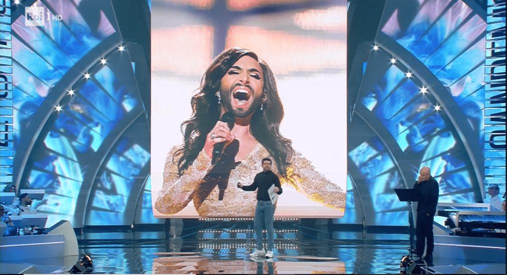 Sanremo 2018, Pierfrancesco Favino accusato di omofobia per l'ironia su Conchita Wurst