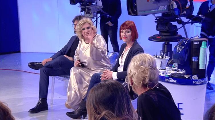 Uomini e Donne, Tina Cipollari contro Gemma Galgani: 'Ti strozzo, vecchia gallinaccia'