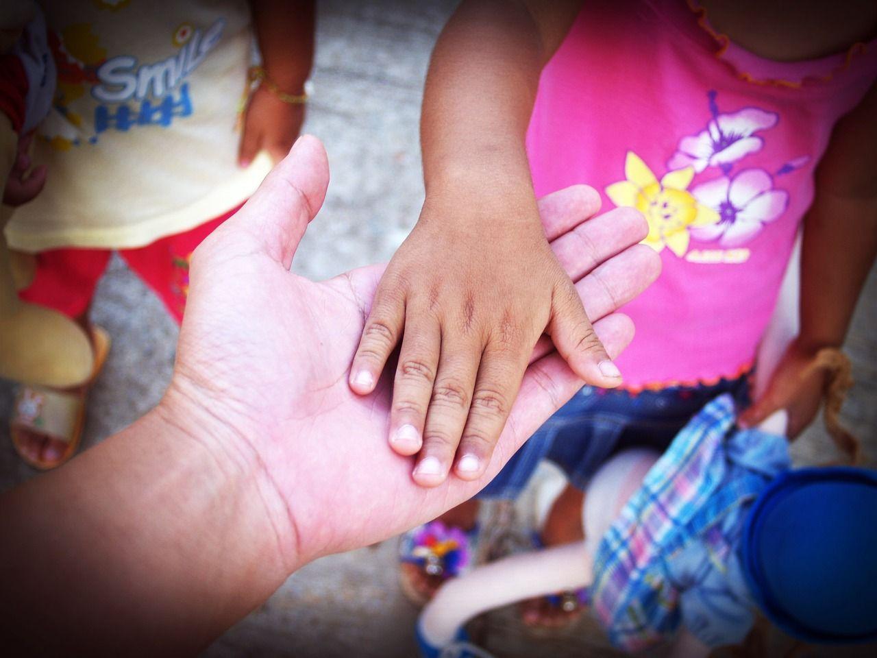 Alloggio gratis per i bambini malati di cancro: la generosità di un macellaio del Cairo