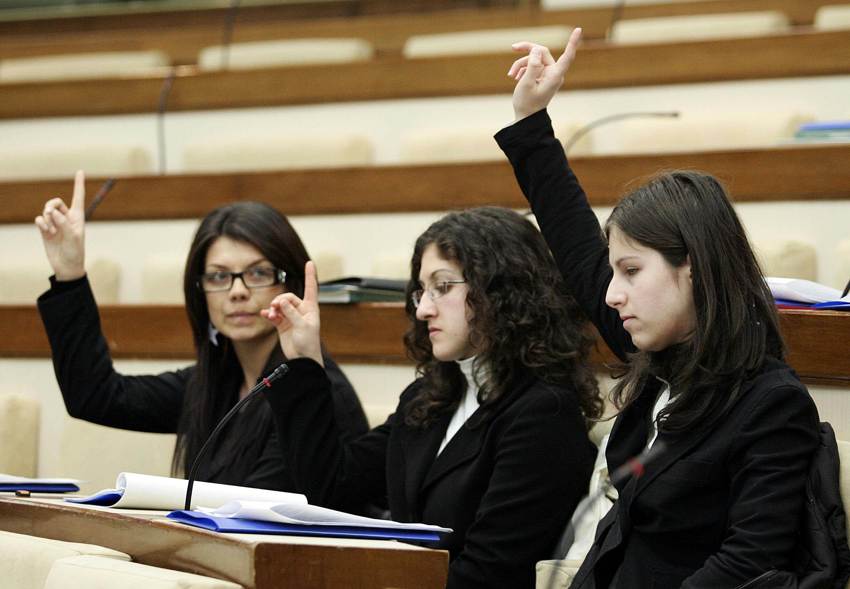 Elezioni politiche e astensionismo giovanile: perché i ragazzi non votano più?