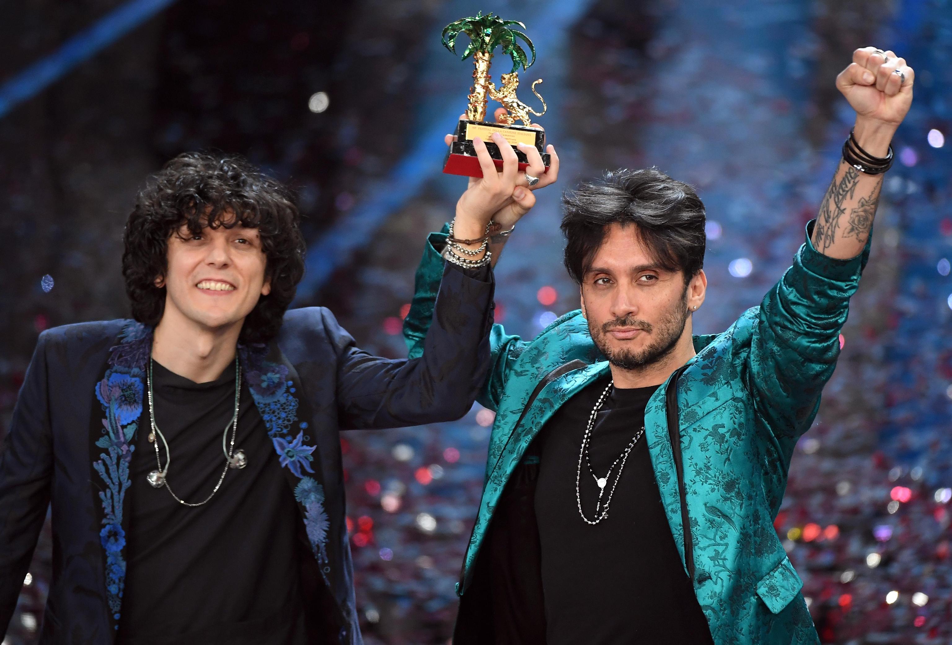 Ermal Meta e Fabrizio Moro vincitori di Sanremo 2018 con Non Mi Avete Fatto Niente
