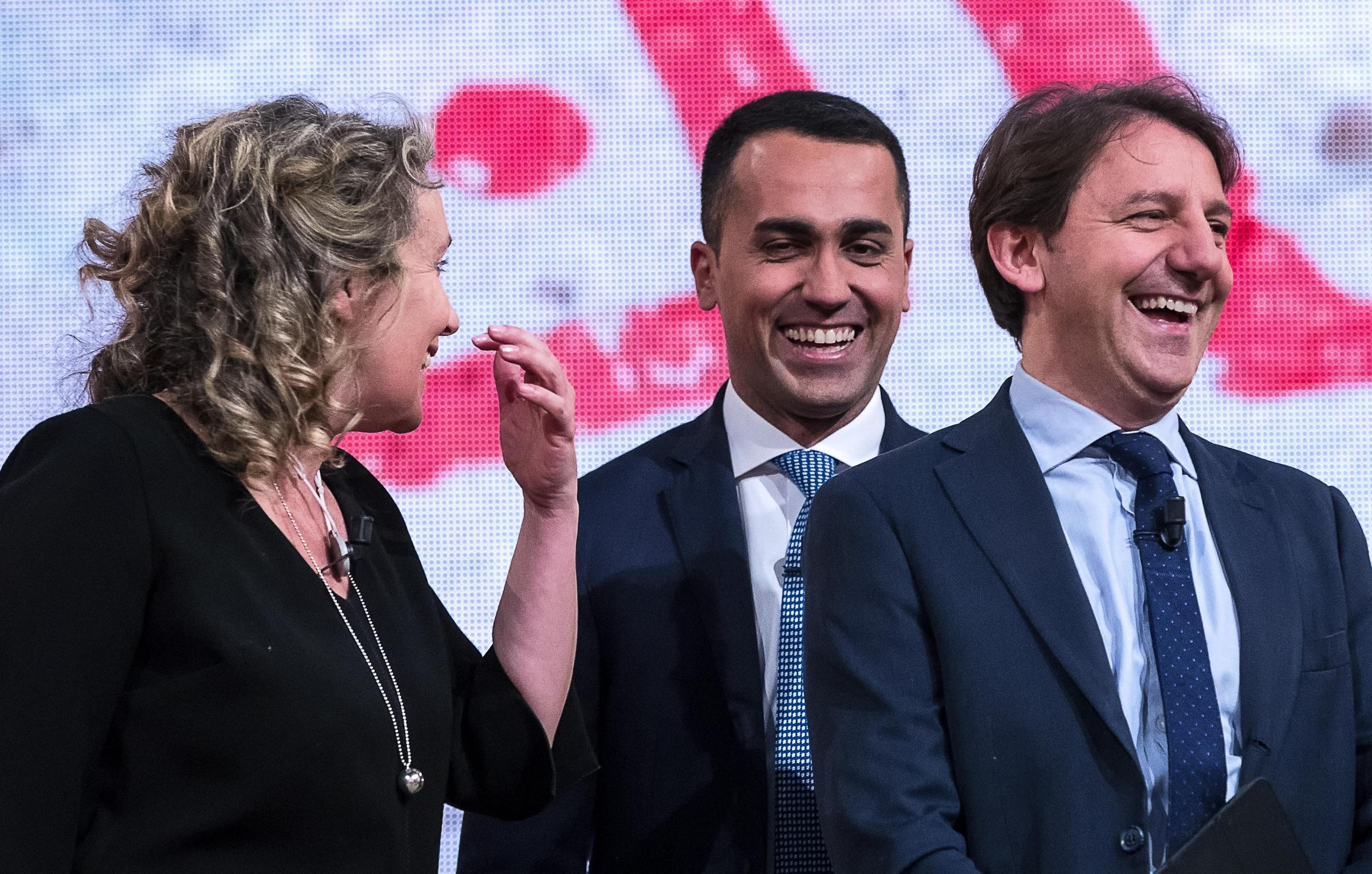 Pasquale Tridico con Luigi Di Maio e Alessandra Pesce