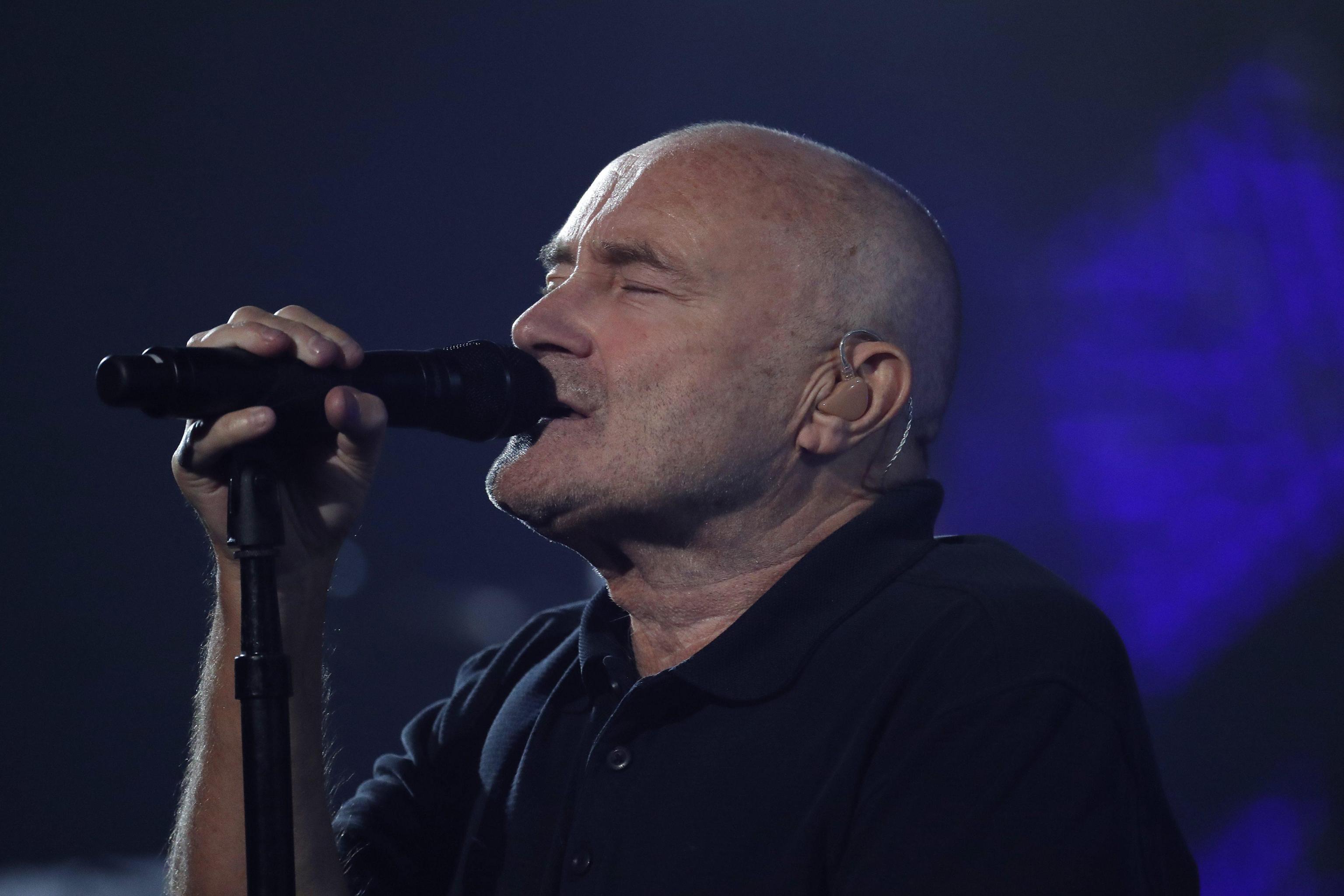 Phil Collins arrestato e poi rilasciato a Rio de Janeiro: era senza visto