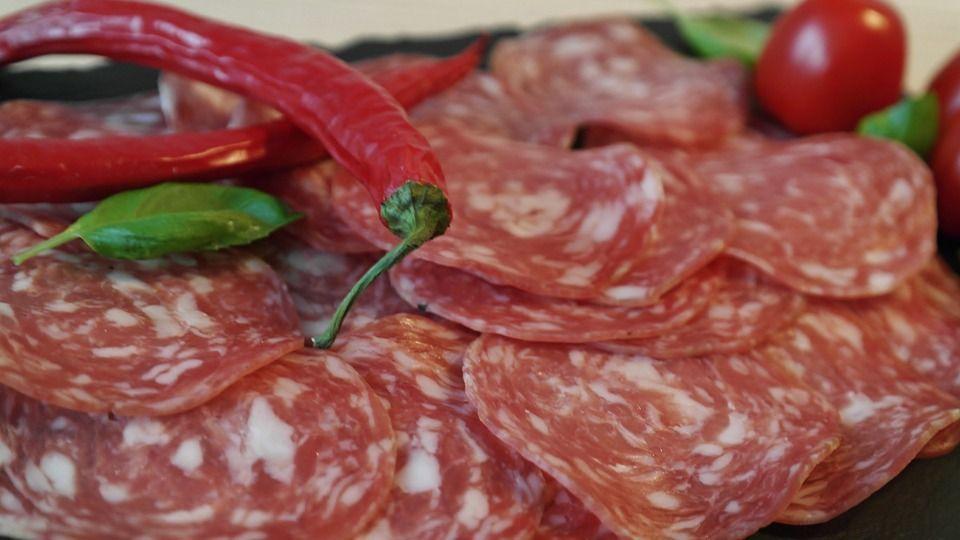 Salamino piccante ritirato per rischio salmonella: i lotti interessati