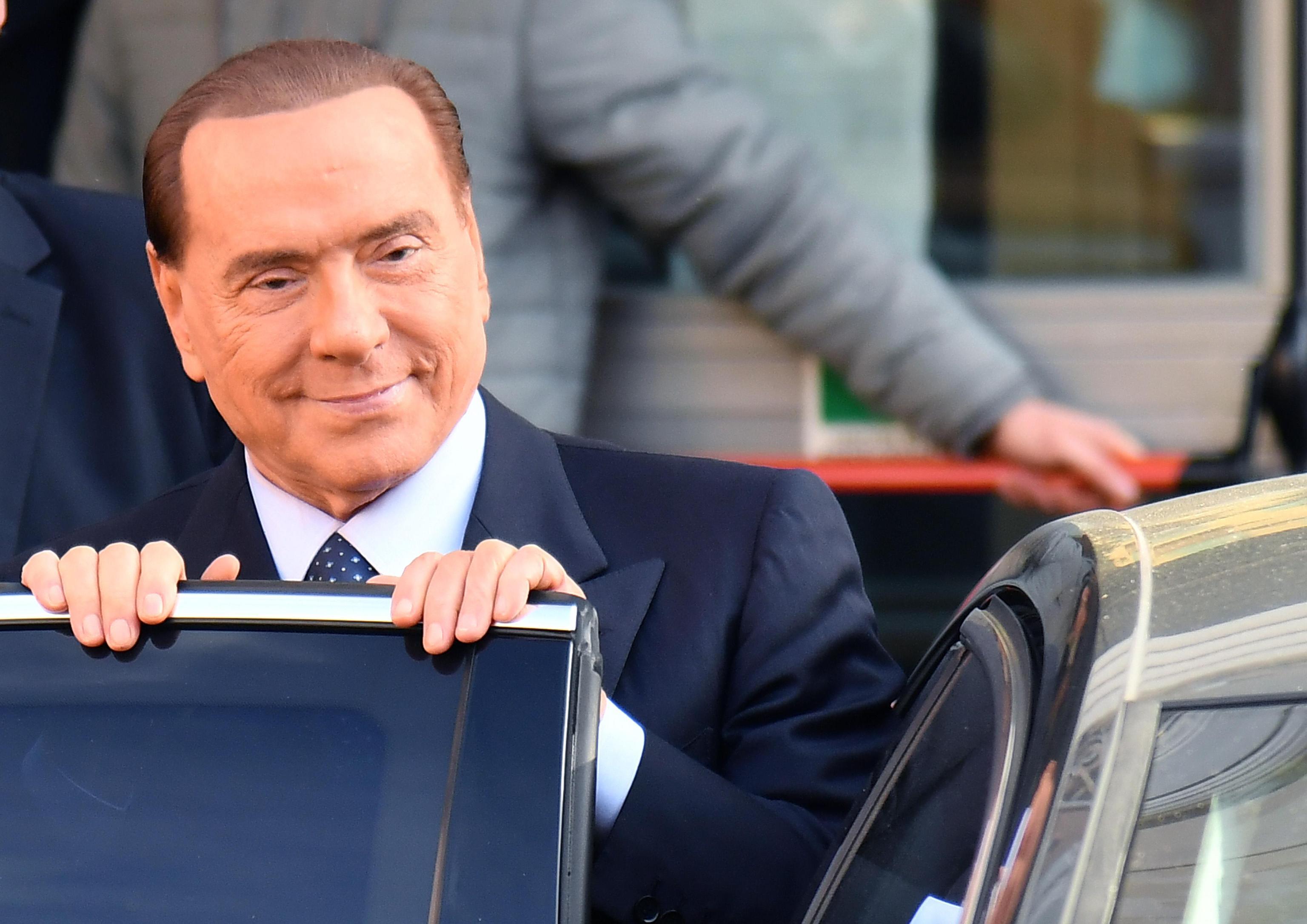 Silvio Berlusconi: 'La politica mi fa schifo ma l'Italia ha ancora bisogno di me'
