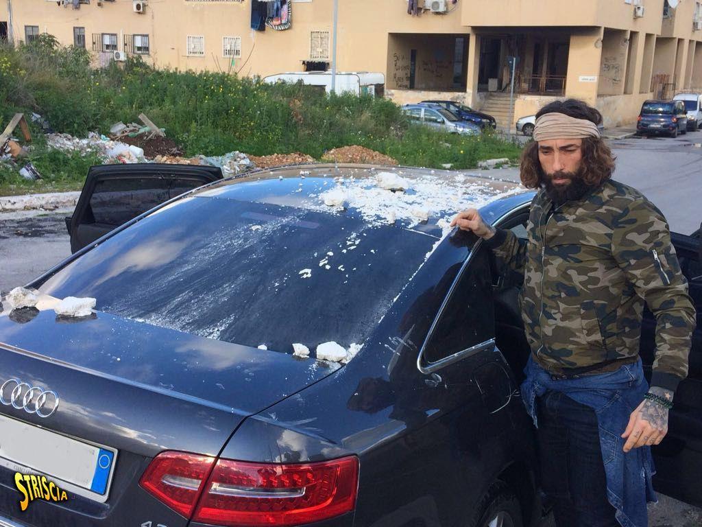 Striscia la Notizia: Vittorio Brumotti aggredito a Palermo con un colpo di arma da fuoco
