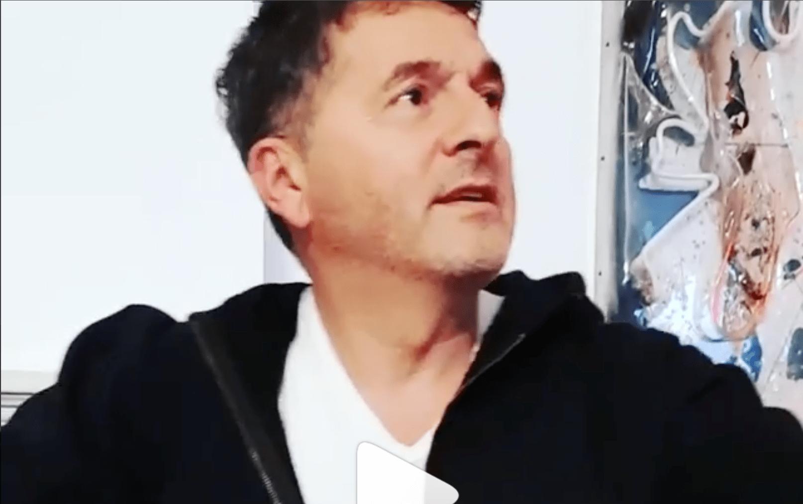 Teo Mammucari contro i cantanti del Festival di Sanremo 2018: 'Non si capisce niente'