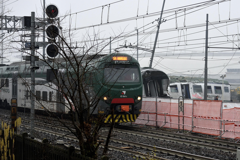 Donna di 35 anni incinta muore travolta da un treno: tragedia a Rovato