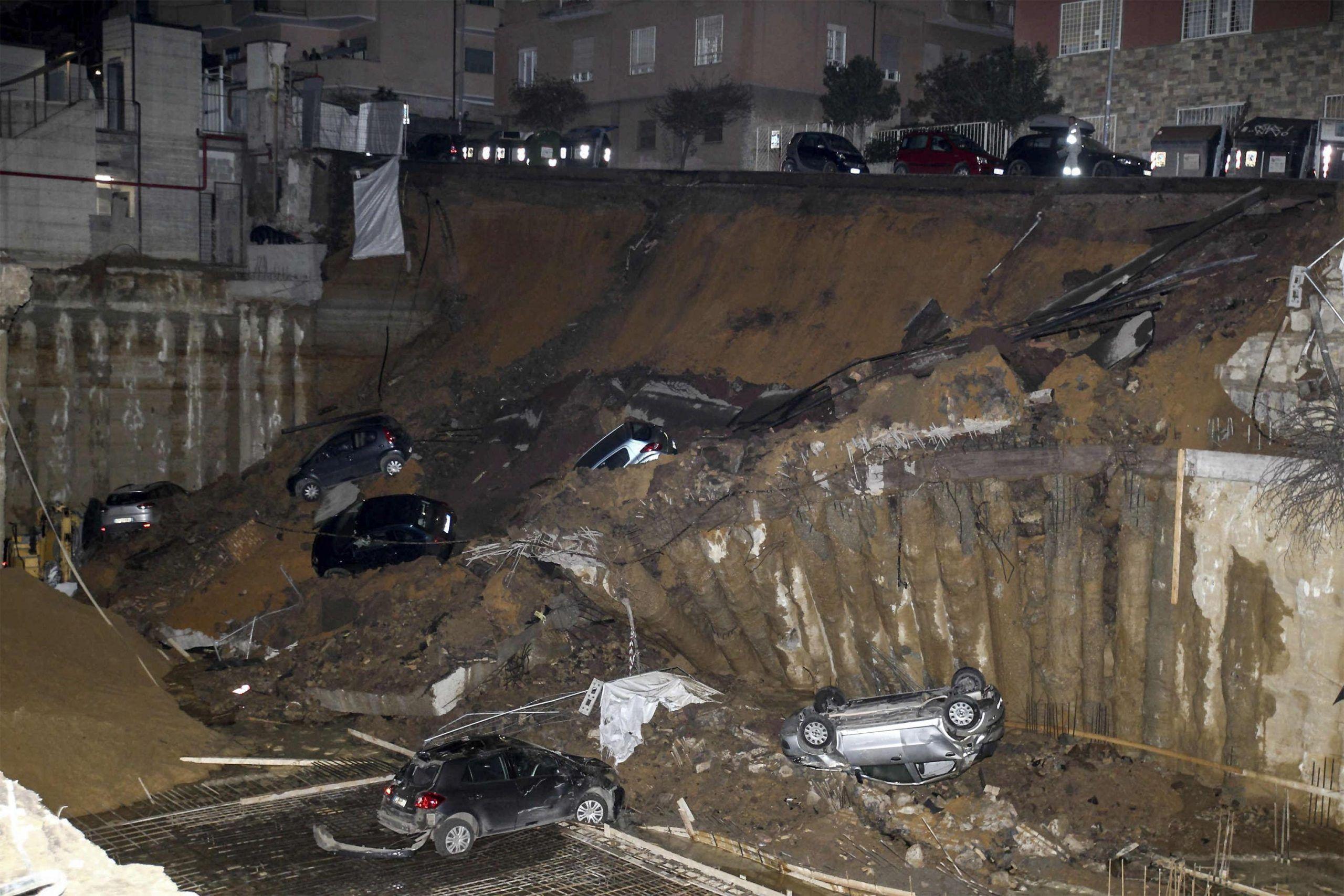 Crolla una strada a Roma, voragine a Balduina