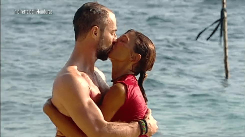 Isola 13, Alessia Mancini: la sorpresa di Flavio Montrucchio e la dichiarazione d'amore