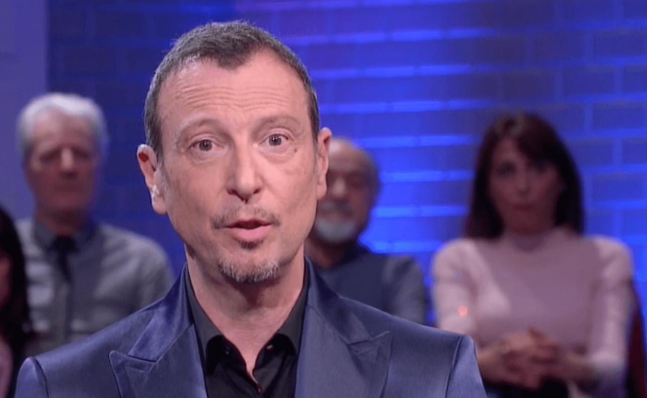 Amadeus omaggia Fabrizio Frizzi soliti ignoti