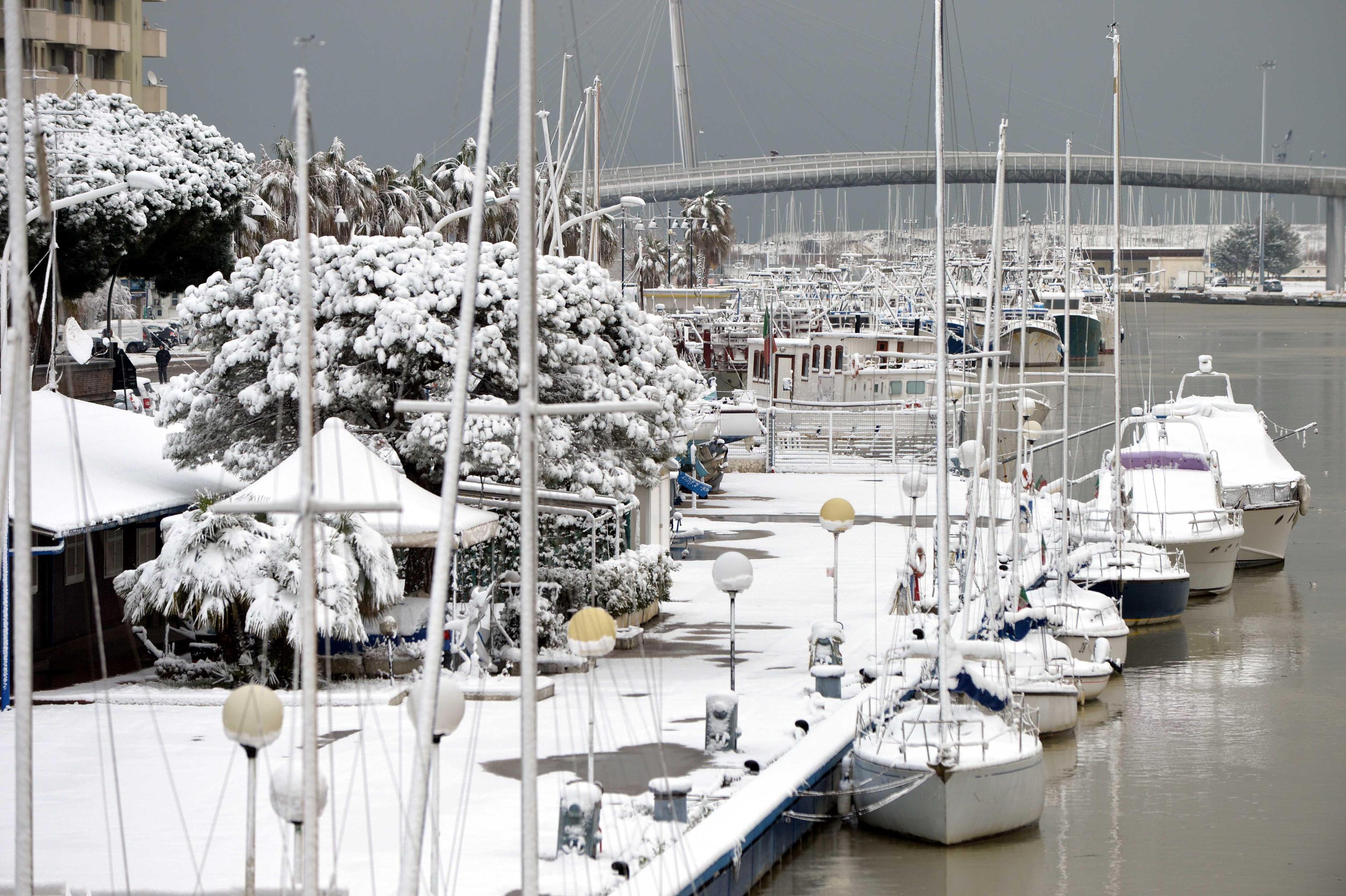 Maltempo freddo e neve sulla costa adriatica Abruzzese Burian arriva a Pescara citta e nei paesi della provincia