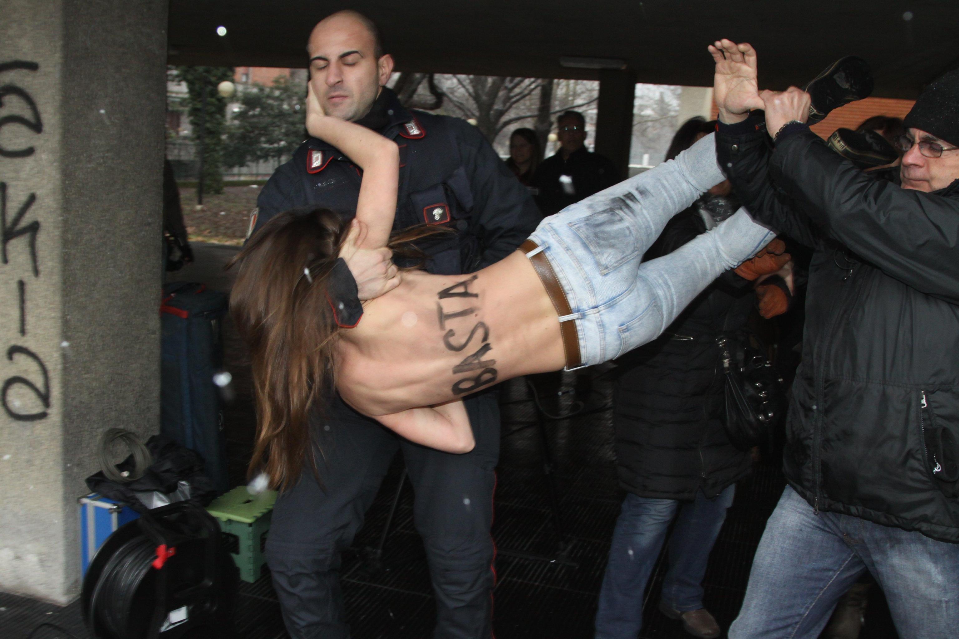 Femen vs Berlusconi
