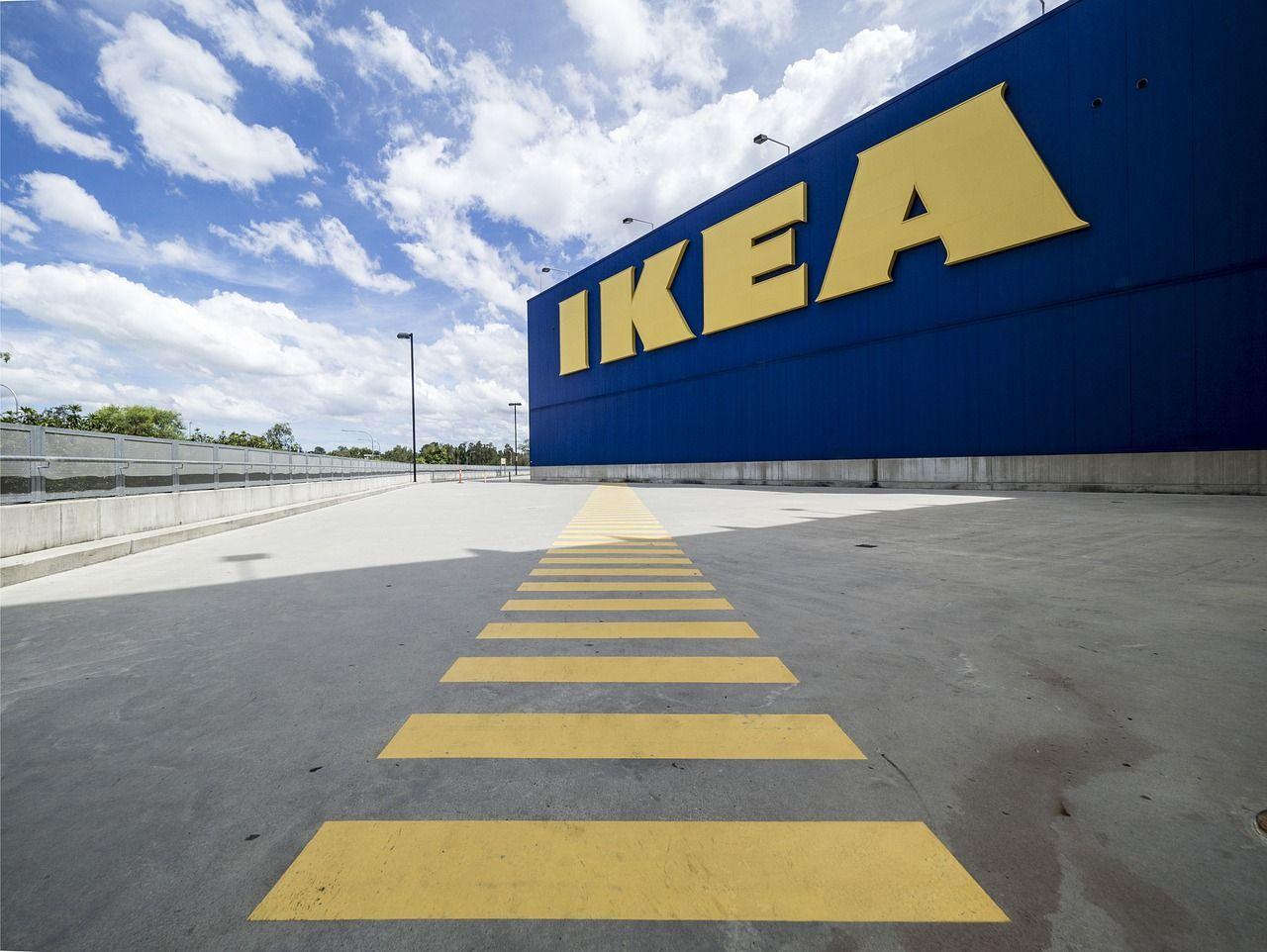 Ikea Napoli assalto