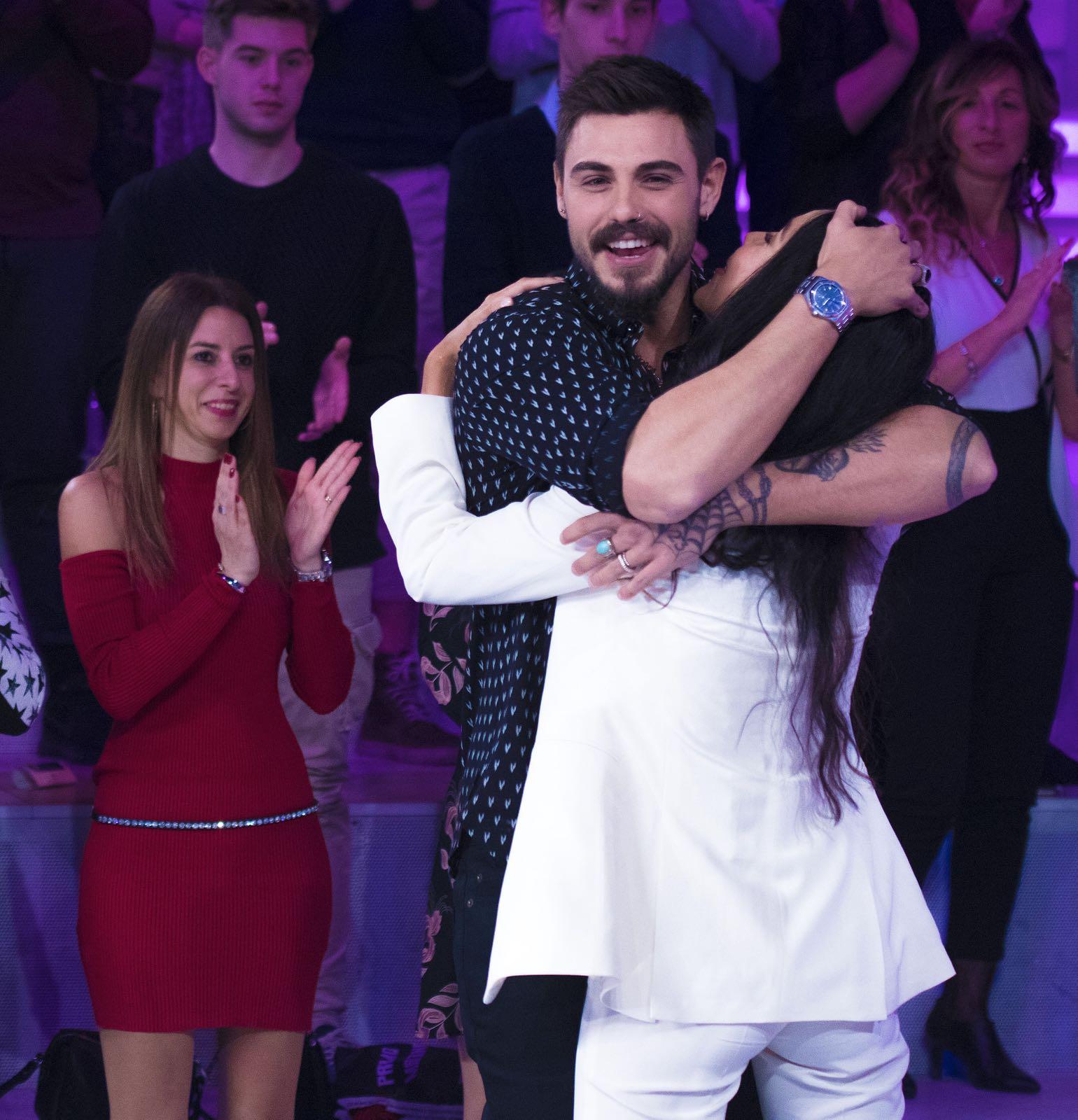 L'abbraccio tra Francesco Monte e Paola Di Benedetto