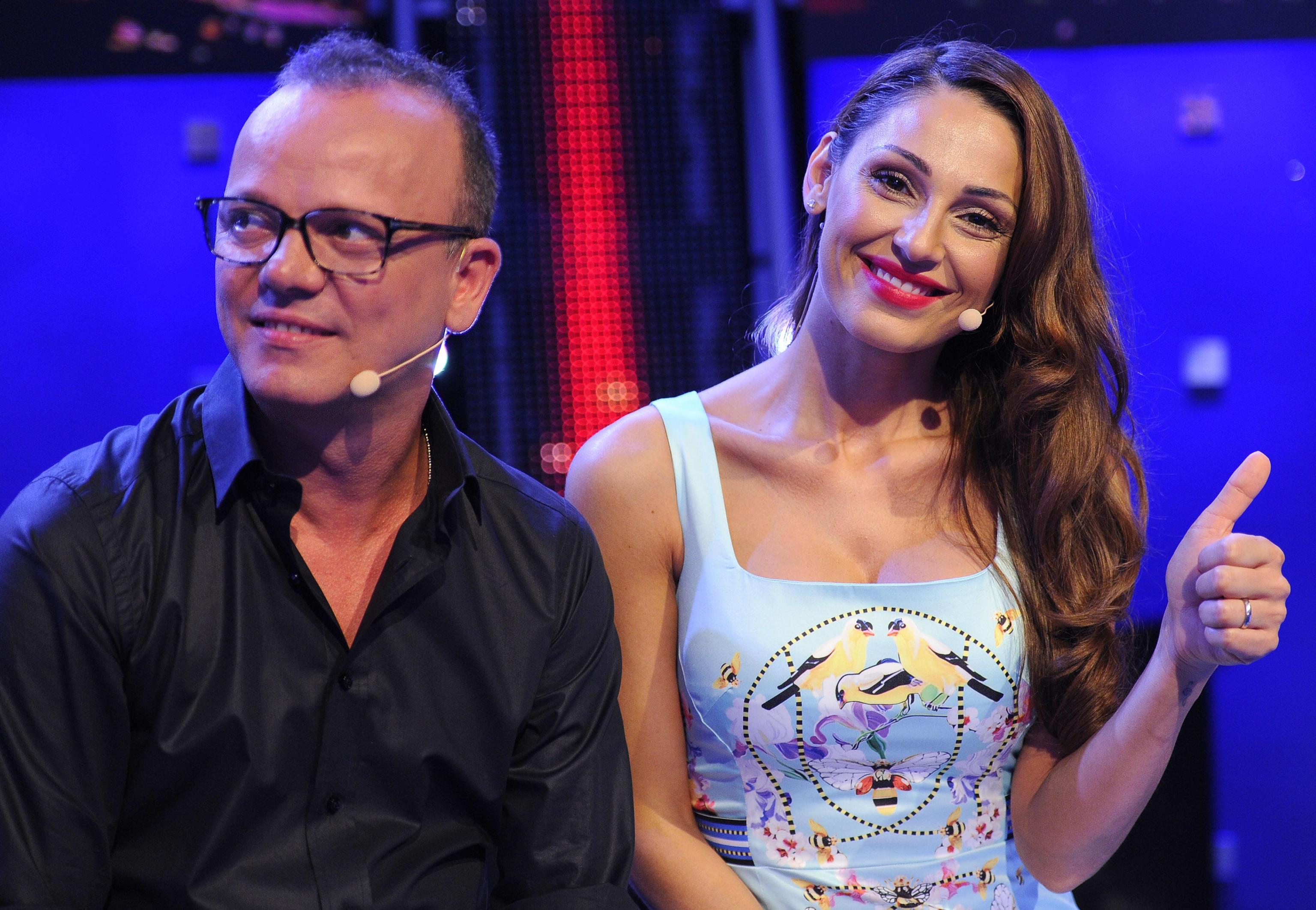 Anna Tatangelo e Gigi D'Alessio al Maurizio Costanzo Show: 'La nostra storia è scritta col sangue'