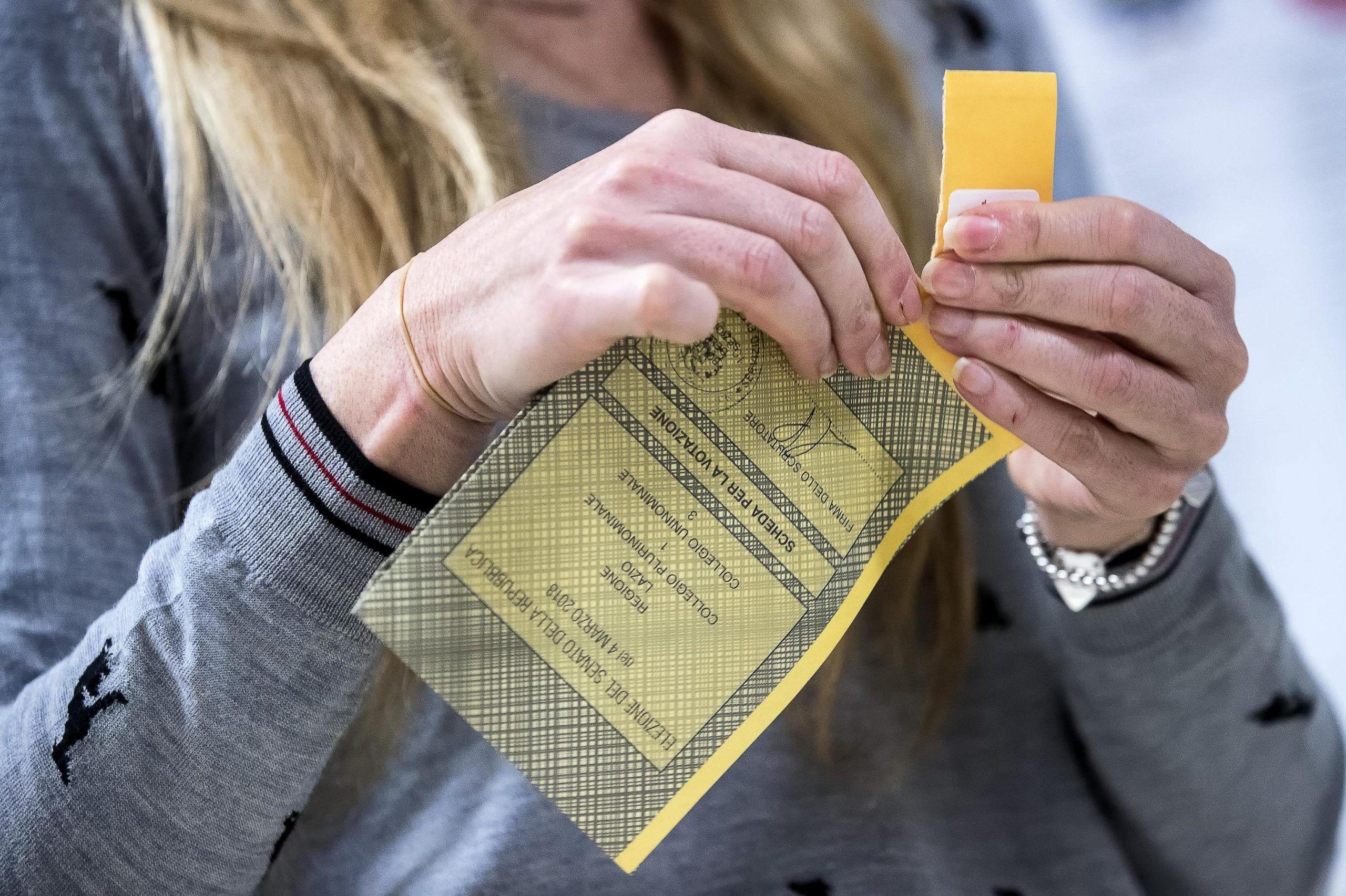 Elezioni, tagliandi anti frode