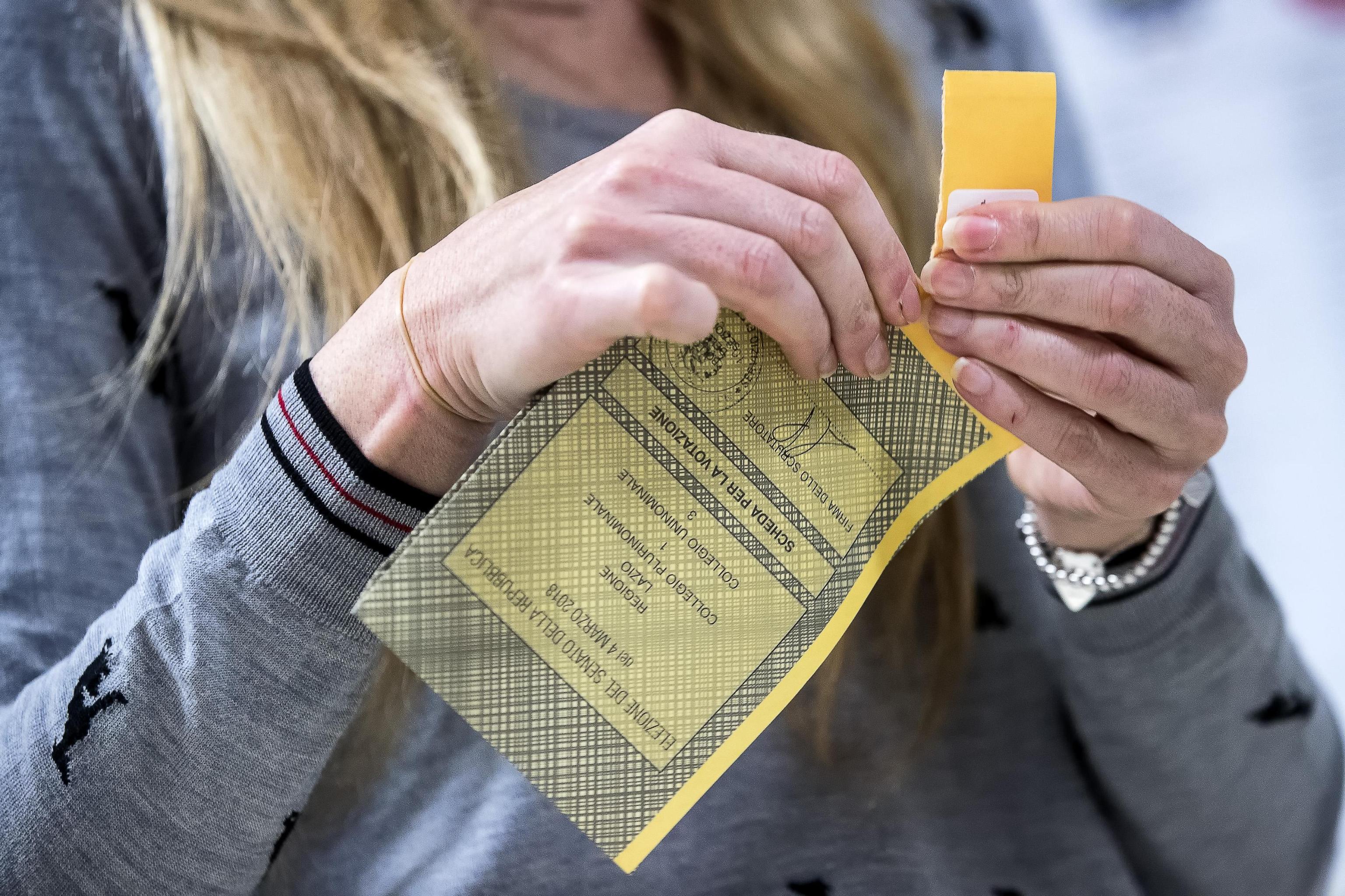 Elezioni politiche 2018, chiuse le urne: affluenza definitiva del 73%