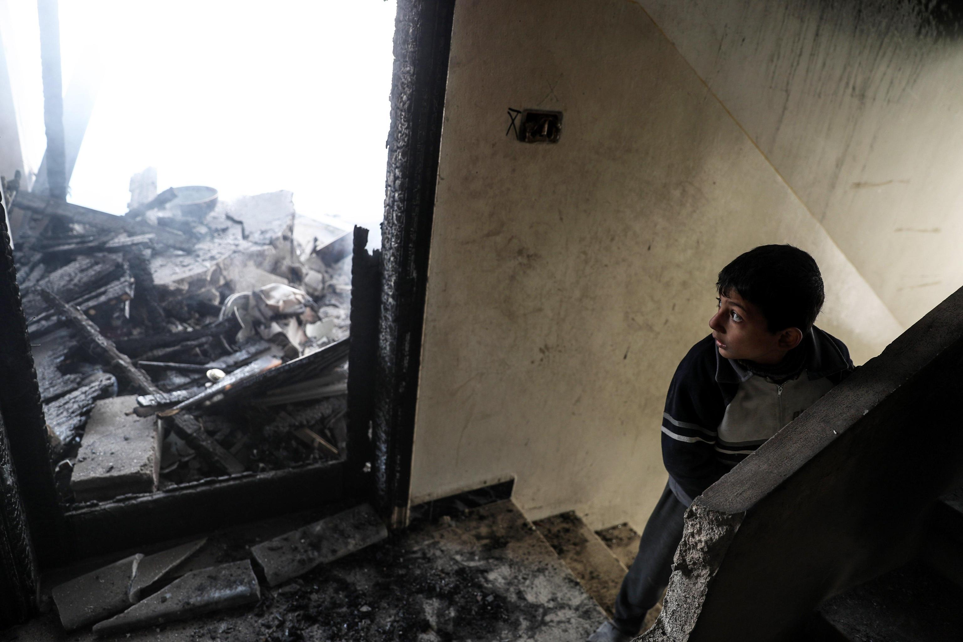 Siria, strage di bambini nella Ghouta orientale dopo raid aereo: morti 15 bimbi e 2 donne