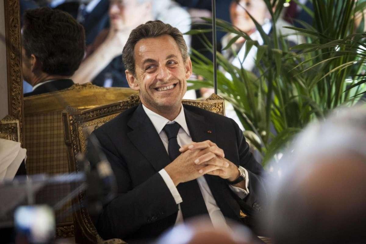 Nicolas Sarkozy fermato per un presunto finanziamento illecito del rais libico Gheddafi